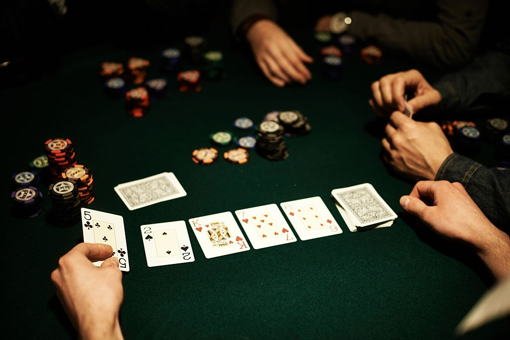 4 MOST INTERESTING CARD GAMES ON ONLINE GAMBLING SITES SITUS