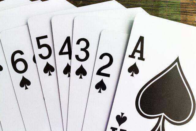 HOW TO DETERMINE CARD VALUE IN BLACKJACK?